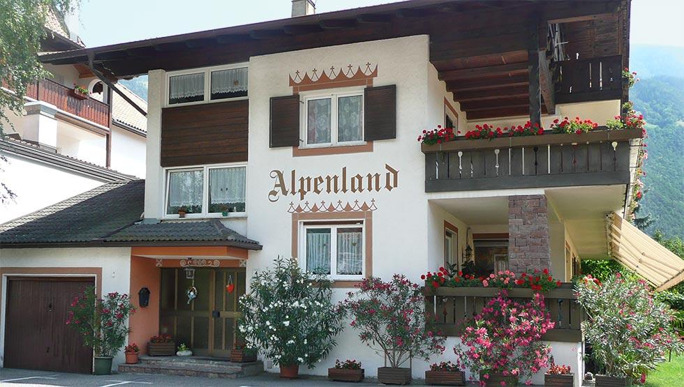 Pensione Alpenland con prima colazione a Plaus presso Naturno